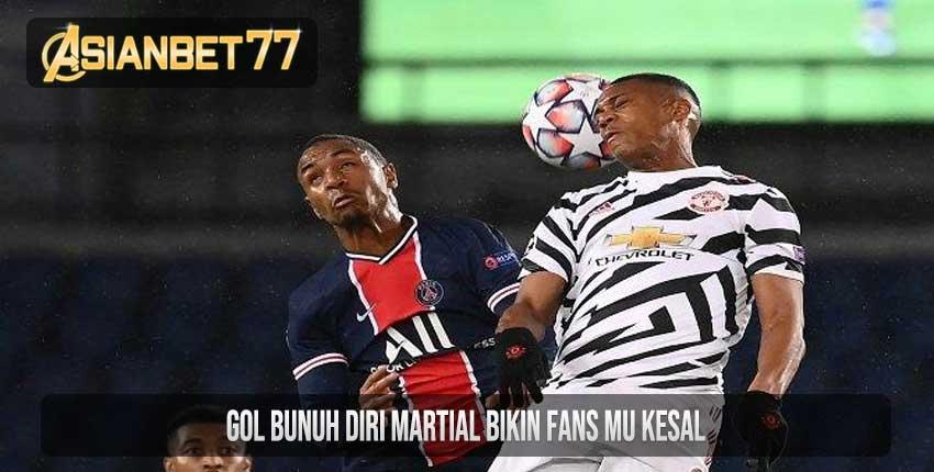 Gol Bunuh Diri Martial Bikin Fans MU Kesal